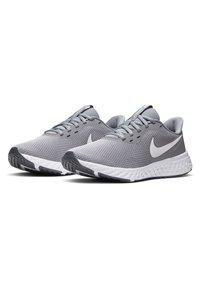 Nike Performance - REVOLUTION 5 - Neutral running shoes - cool grey/dark grey/pure platinum - 2