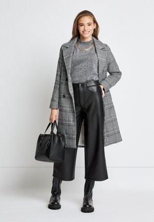 ONLARABELLA CHECK COAT - Classic coat - black/cloud dancer