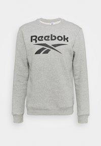 Reebok - IDENTITY CREW GRAPHIC - Sweatshirt - medium grey heather/black - 4