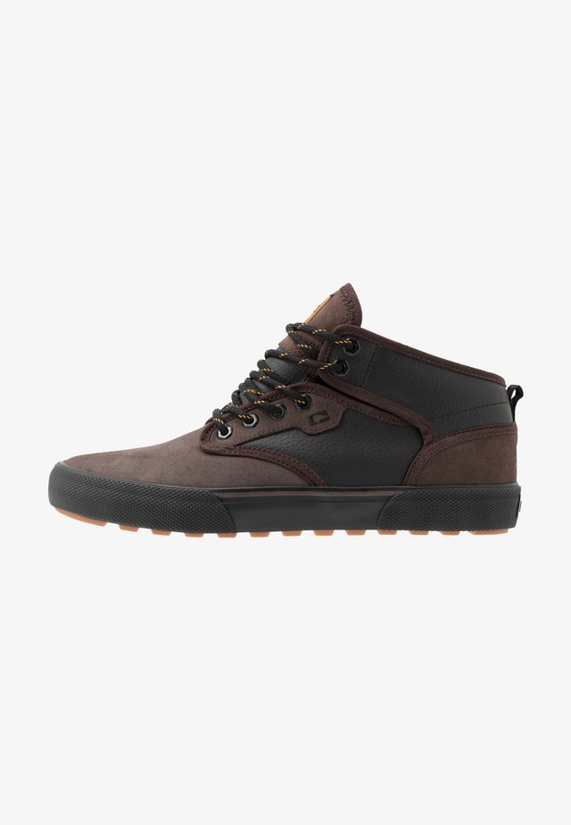 MOTLEY MID - Skateboardové boty - dark choco/black/summit