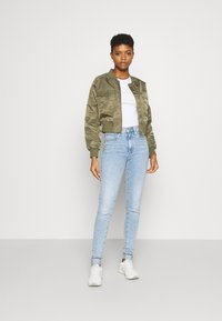 Levi's® - MILE HIGH SUPER SKINNY - Jeans Skinny - spill the tea - 1