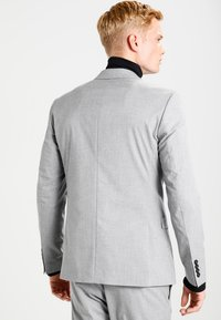 Selected Homme - SHDNEWONE MYLOLOGAN SLIM FIT - Traje - light grey melange - 2