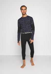 Mons Royale - SHAUN OFF 3/4 LEGGING - Dlouhé spodní prádlo - black - 1