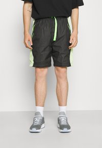 Jordan - TRACK PANT - Träningsbyxor - black/light liquid lime/electric green - 3