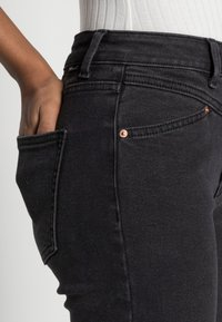 ONLY Petite - ONLERICA LIFE - Jeans Skinny Fit - black - 4