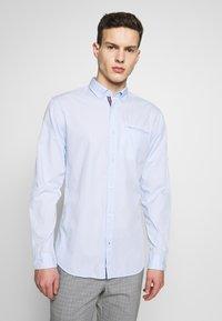 Jack & Jones - JETAPE DETAIL SLIM FIT - Overhemd - blue - 0