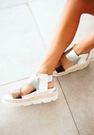 LOUISA - Platform sandals - sand