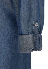 TR - Button-down blouse - blue denim - 2