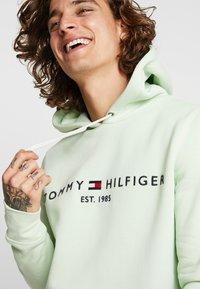 Tommy Hilfiger - LOGO HOODY - Sweat à capuche - green - 3