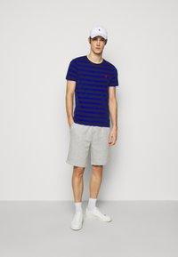 Polo Ralph Lauren - THE CABIN FLEECE SHORT - Shorts - andover heather - 1