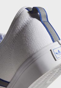 adidas Originals - NIZZA  - Scarpe skate - white - 10