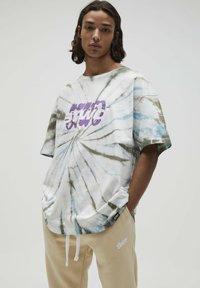 PULL&BEAR - Print T-shirt - mottled light grey - 0