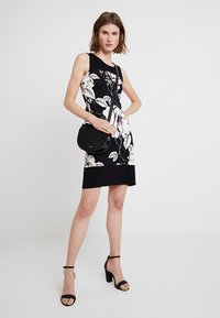 Anna Field - Shift dress - rose/black