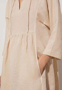 OYSHO - Denní šaty - beige - 3