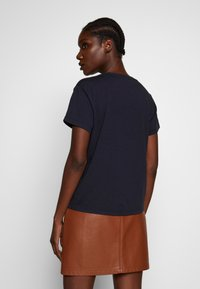 Marc O'Polo - SHORT SLEEVE - Triko s potiskem - night sky