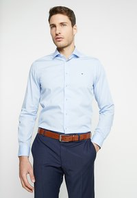 Tommy Hilfiger Tailored - POPLIN CLASSIC SLIM FIT - Kauluspaita - blue - 0