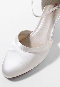 Elsa Coloured Shoes - ANIKA - Bridal shoes - ivory - 6