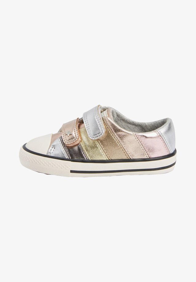 BADGES TOUCH - Sneakers laag - metallic grey