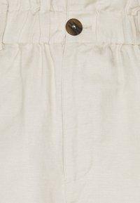 EDITED - JAZLYN - Shorts - beige - 2
