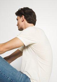 Tiger of Sweden Jeans - FLEEK - Basic T-shirt - birch bark - 3