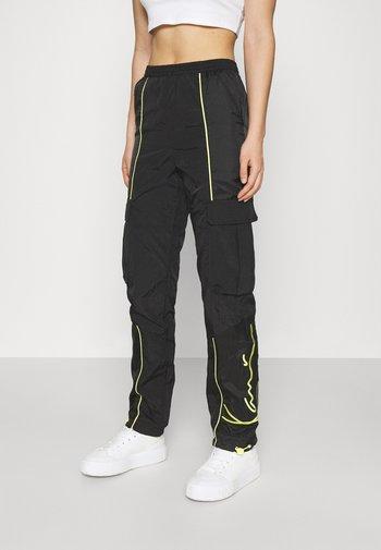 SIGNATURE BLOCK TRACKPANTS - Pantalon de survêtement - black