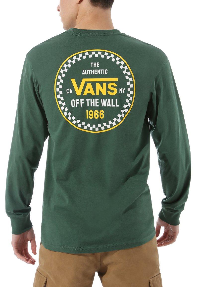 Vans - MN CHECKER 66 LS - Langarmshirt - pine needle
