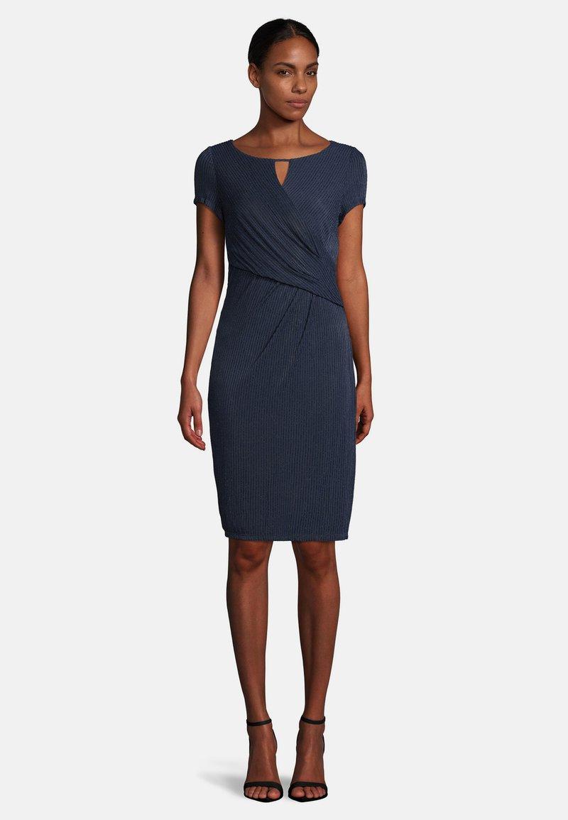 Vera Mont - Shift dress - dark blue/dark blue