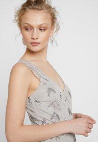 Maya Deluxe - STRAP DRESS WITH EMBELLISHMENT - Společenské šaty - grey - 3