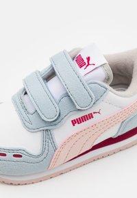 Puma - CABANA RACER  - Trainers - white/lotus - 5