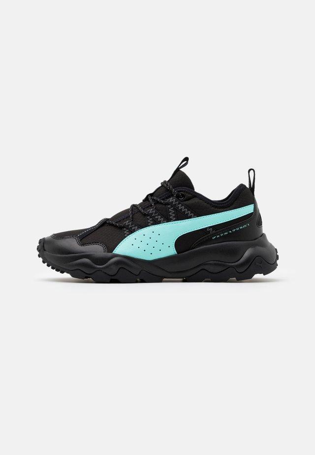 EMBER TRL - Běžecké boty do terénu - black/aruba blue