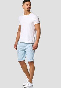 INDICODE JEANS - CASUAL FIT - Shorts - blau palace blue - 1