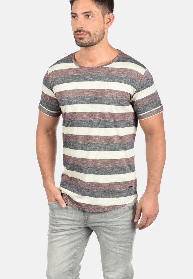 RUNDHALSSHIRT THICCO - T-shirt print - wine red