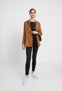 ONLY - ONLMILA - Jeans Skinny Fit - black denim - 1