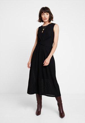 PATZI DRESS - Vestido largo - black