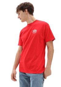 Vans - MN HOLDER ST CLASSIC - Print T-shirt - high risk red/white - 0