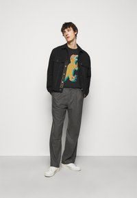PS Paul Smith - MENS REGULAR FIT DINO - Print T-shirt - black - 1