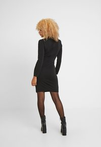 WAL G PETITE - WRAP PLUNGE DRESS - Vestido de tubo - black - 3