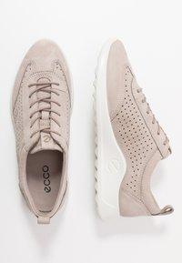 ECCO - ECCO FLEXURE RUNNER W - Sneakersy niskie - grey rose - 3