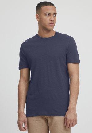 TOAMPHO - Basic T-shirt - dark sapphire