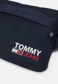 Tommy Jeans - CAMPUS BUMBAG UNISEX - Ledvinka - blue - 3