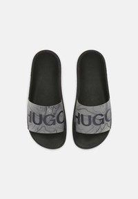 HUGO - MATCH - Pool slides - black - 3