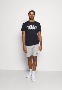 Tommy Hilfiger - ICONIC TEE - Sports shirt - blue - 1