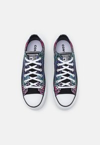 Converse - CHUCK TAYLOR ALL STAR LIFT - Joggesko - pink/court green/white - 5