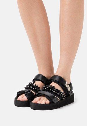 LYDIA  - Sandały na platformie - schwarz