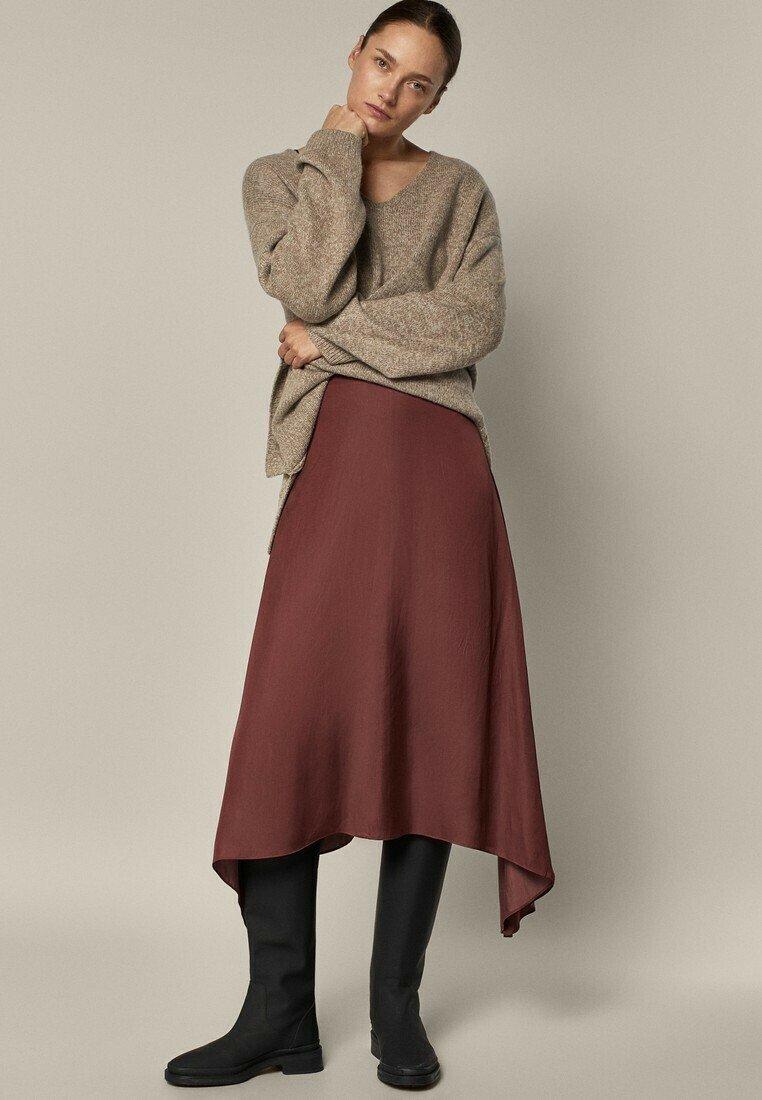 Massimo Dutti - FLIESSENDER  - A-line skirt - bordeaux