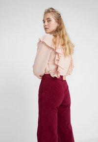 See by Chloé - Spodnie materiałowe - juicy purple - 4