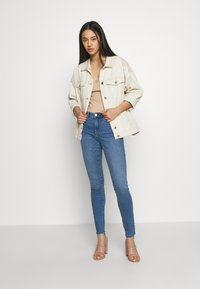 Vero Moda - VMHANNA  - Skinny džíny - light blue denim - 1