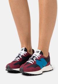 New Balance - WS327 - Sneakers - burgundy - 0