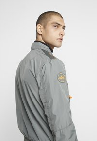 Alpha Industries - Bomberjacks - vintage green - 4