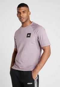 adidas Performance - Print T-shirt - legacy purple - 0